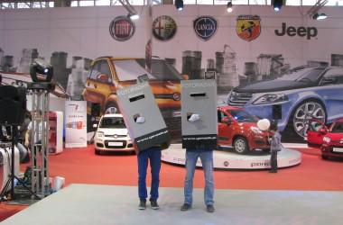 Człowiek fotoradar na Motor Show 2012