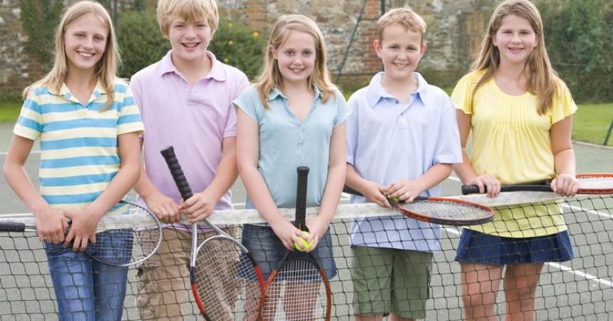 Czy warto wysłać dziecko na obóz sportowy?