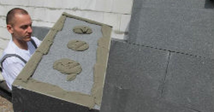 Czy srebrnoszare styropiany zastąpią tradycyjne białe płyty?