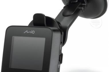 Polacy coraz częściej kupują wideorejestratory