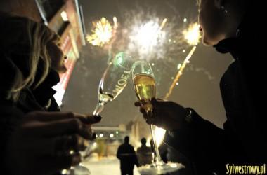 Zdecyduj, o której godzinie przywitasz Nowy Rok!