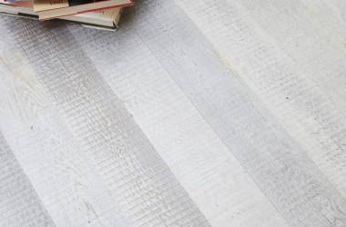 Eksperci doceniają odważne pomysły branży podłogowej! Postarzana podłoga Bauwerk Parkett finalistą konkursu DOBRY WZÓR 2013