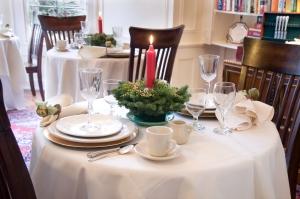 christmas-table-1247570-m
