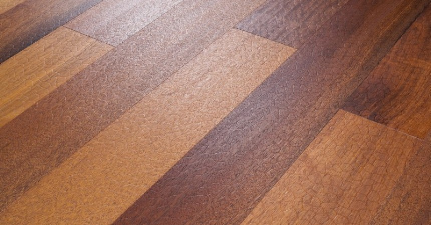 Podłoga drewniana niczym… wąż