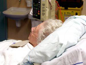 elderly-hospital-patient-543797-m