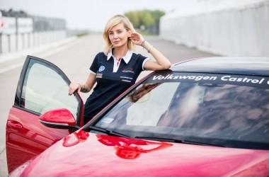 Agnieszka Szulim zdobyła licencję wyścigową i już w najbliższą sobotę pojawi się na torze wyścigowym EuroSpeedway w Lausitz