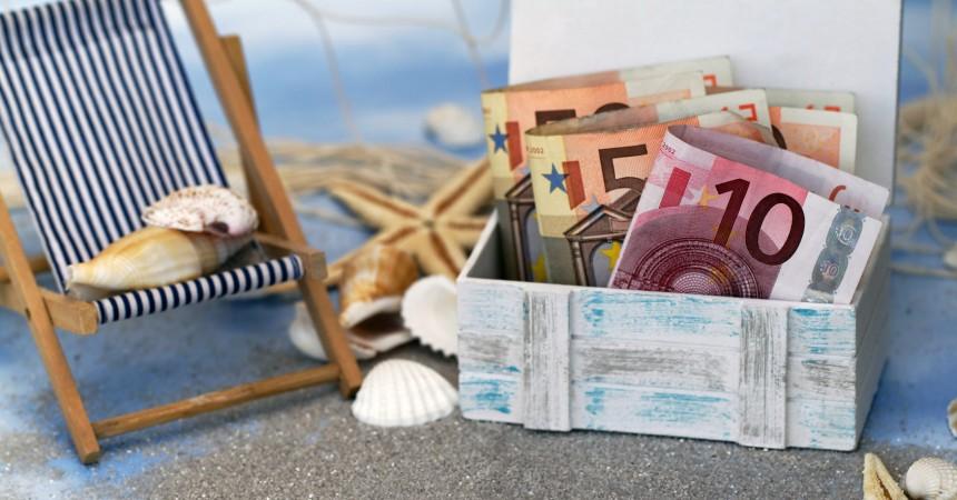 Pieniądze w podróży – czyli bezpieczne wydatki na wakacjach