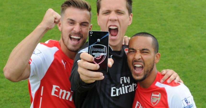 HUAWEI, Oficjalny Partner Technologiczny Arsenalu Londyn, przedstawia 4G LTE HUAWEI Ascend P7 Arsenal Edition