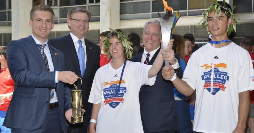 UPS pomaga w orgAnizacji światowych igrzysk olimpiad specjalnych 2015 w Los Angeles