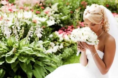 Ślub i wesele latem. Jak je zorganizować?
