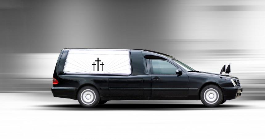 Bliska osoba zmarła poza granicami kraju? Pomożemy w transporcie zwłok!