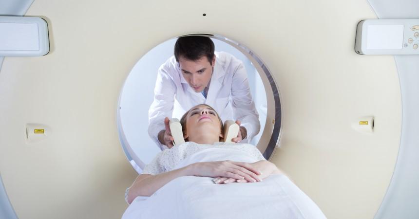 Aparat do badań techniką rezonansu magnetycznego