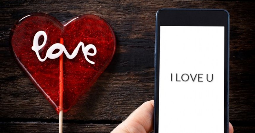 Walentynkowe zwyczaje Polaków – w jaki sposób świętujemy Dzień Zakochanych?