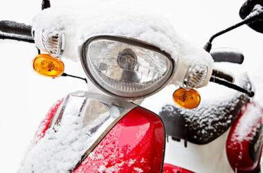 Żelazne zasady zimowania motocykla