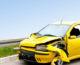 Stłuczka na drodze – spisać oświadczenie, czy wezwać policję?