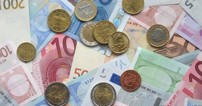 Wymiana walut w kantorze tradycyjnym – co warto wiedzieć?