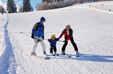Ferie zimowe z dziećmi – gdzie warto pojechać?