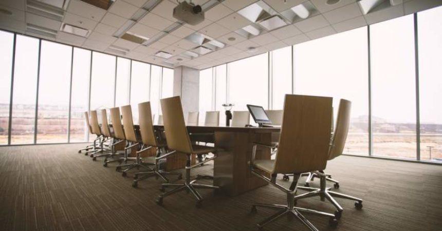 O czym należy pamiętać przy rezerwacji sali konferencyjnej?