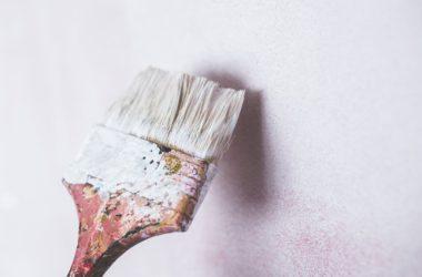 Farby fasadowe – zewnętrzne akrylowe. Co warto o nich wiedzieć?