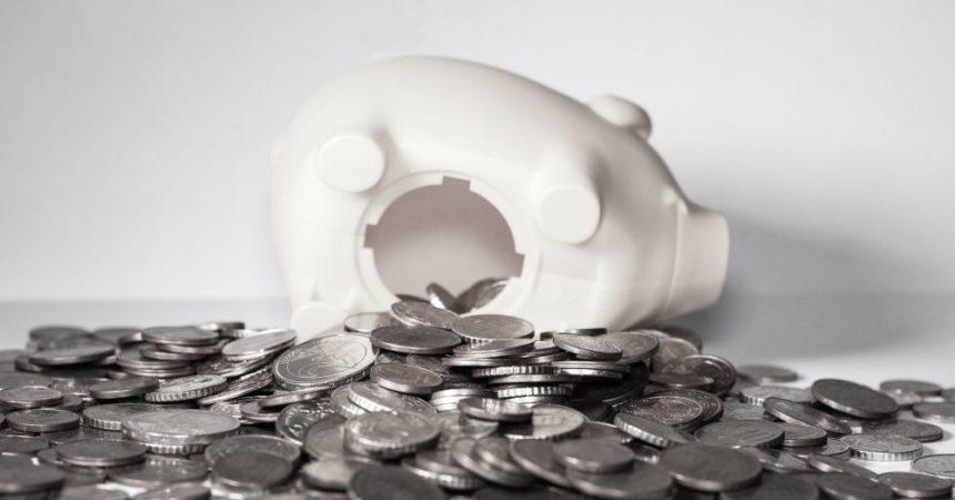 Dla kogo konto oszczędnościowe, dla kogo lokata? Sprawdzamy, komu i dlaczego opłaca się korzystać z tych produktów bankowych.