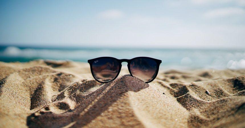 Okulary przeciwsłoneczne – modny dodatek, ale nie tylko.