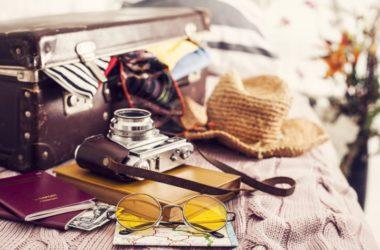 Co zapakować do walizki na wakacje? – poradnik