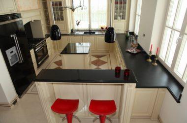Blat kuchenny: marmurowy czy granitowy?