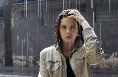 Wodoodporny makijaż – idealny na jesienną pogodę