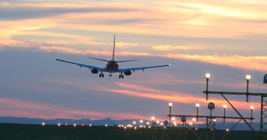 Nie tylko cena – dodatkowe usługi na prywatnych parkingach przy lotnisku