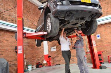 Ubezpieczenie samodzielne czy przez leasingodawcę – jak ubezpieczać auto w leasingu?