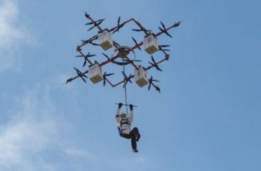 Skok tandemowy z drona? Czy to przyszłość skoków ze spadochronem?