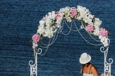 Inspirujące dekoracje z kwiatów sztucznych