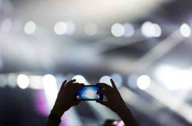 Jak wykorzystać smartfona na festiwalu muzycznym?