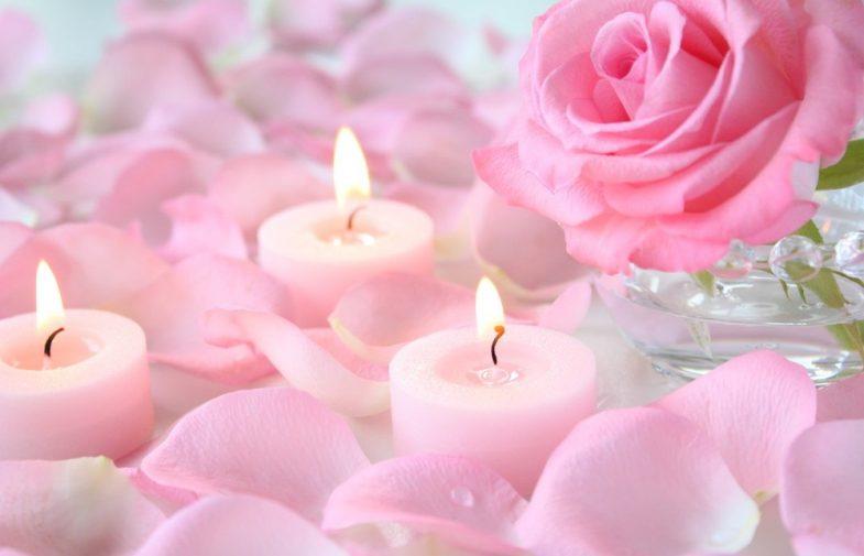 4 drobiazgi pachnących różą, które powinna znać każda kobieta!