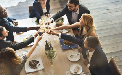 Integruj się, czyli jak się zachować na firmowej imprezie