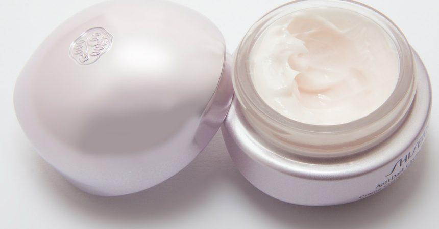 Beznen, parabeny i inne konserwanty kosmetyków, które mogą Ci zaszkodzić