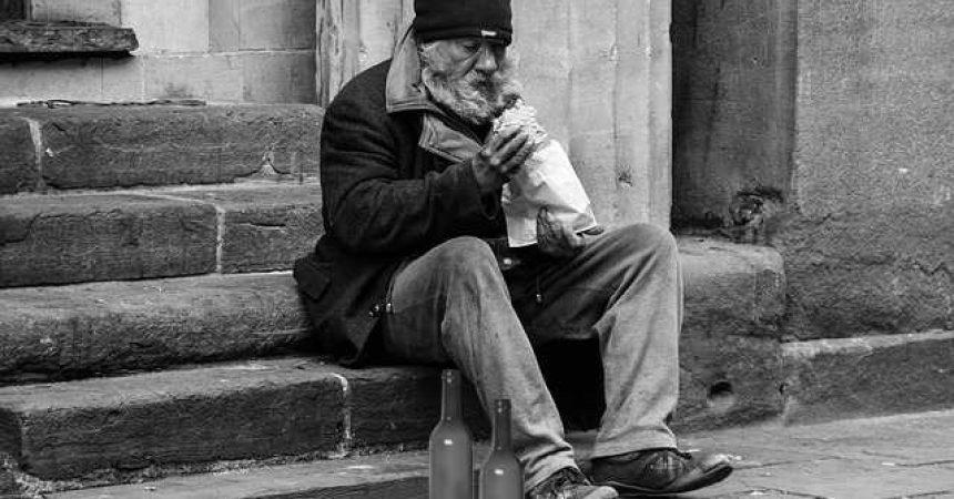 Bezdomność trudniejsza niż alkoholizm