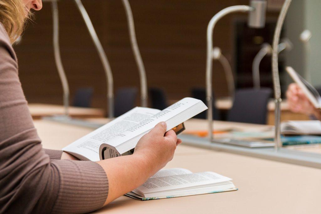 książki branżowe poszerzają słownictwo