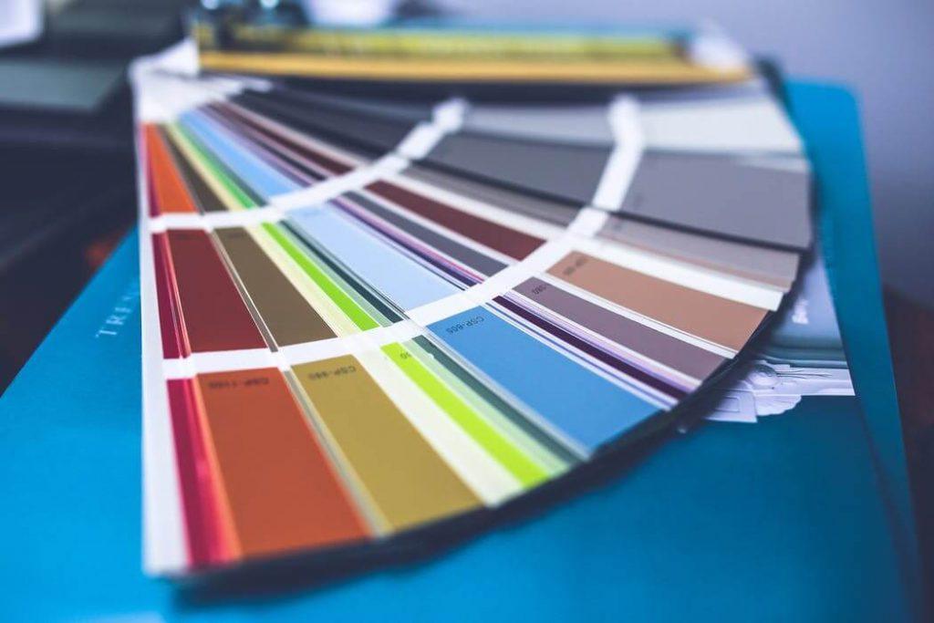 dobór modnych kolorów to ważny element wystroju wnętrz