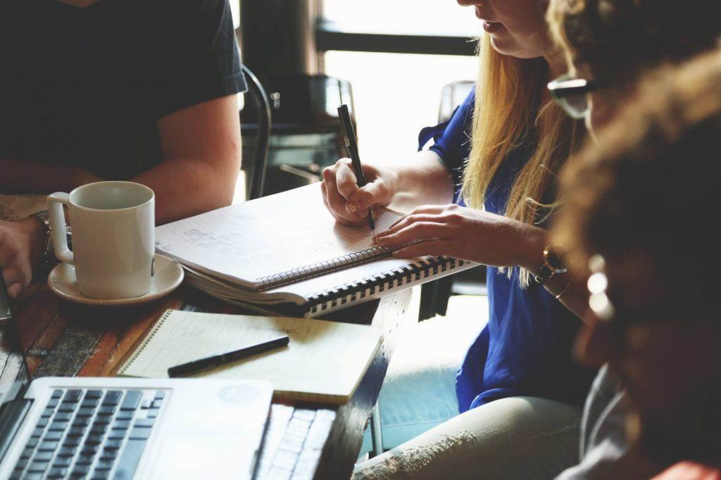 klienci architektów na każdym etapie współpracy mogą liczyć na pomoc