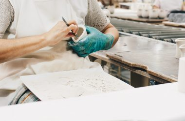 Rękawiczki lateksowe, nitrylowe, a może inne? Jak wybierać?