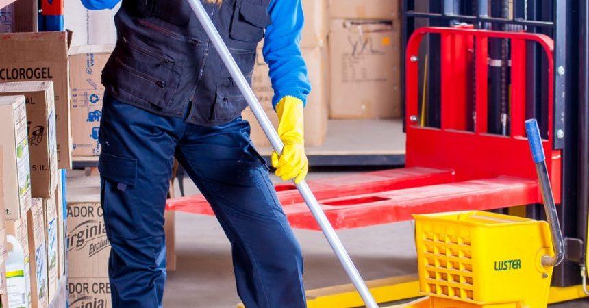 Czy potrzebujesz firmy sprzątającej do biura?
