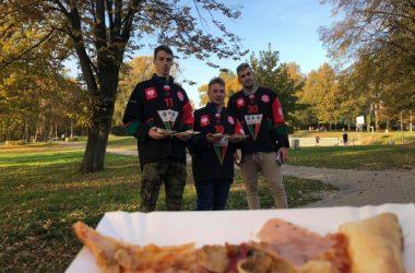 Mistrzowie Polski częstowali samodzielnie zrobioną Pizzą z Da Grasso