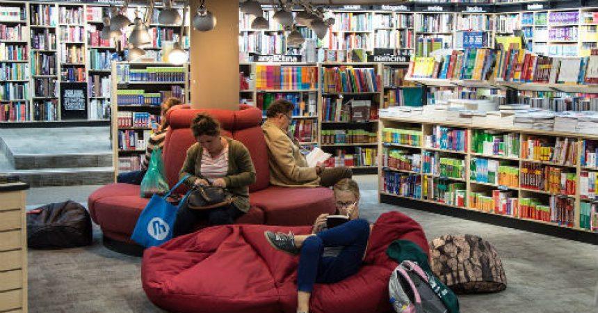Co oferują nam księgarnie internetowe?