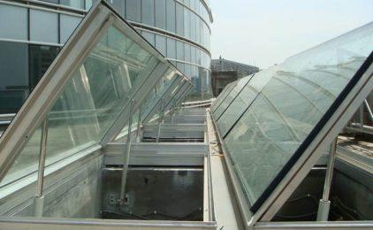 Okna oddymiające – nie tylko dla ochrony przeciwpożarowej