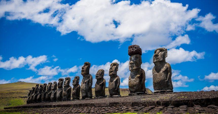 Wyspa Wielkanocna – wycieczka z biurem podróży pozwoli odkryć wszystkie jej tajemnice.