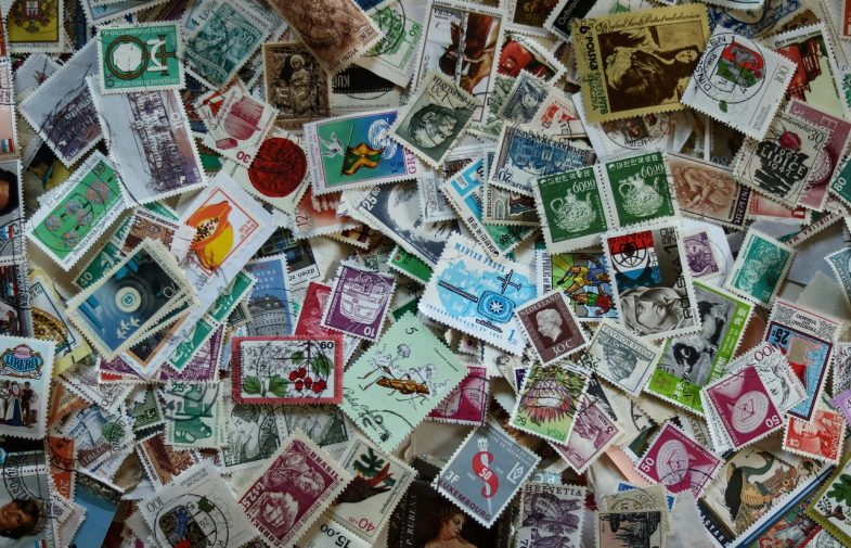 Sceny filmowe i gwiazdy kina na znaczkach pocztowych