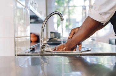Mycie rąk – podstawowa higiena, której musi przestrzegać każdy z nas