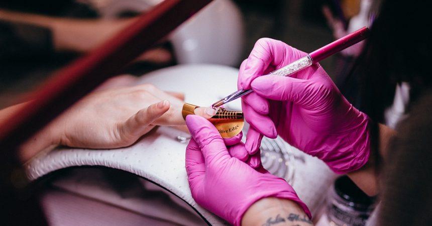 Salon manicure – wszystko czego potrzebujesz do pracy