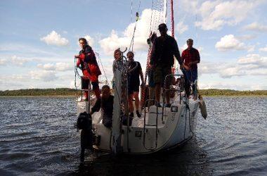 Zostań żeglarzem z PuntoVita. Poznaj ofertę kursów żeglarskich na Mazurach 2020.